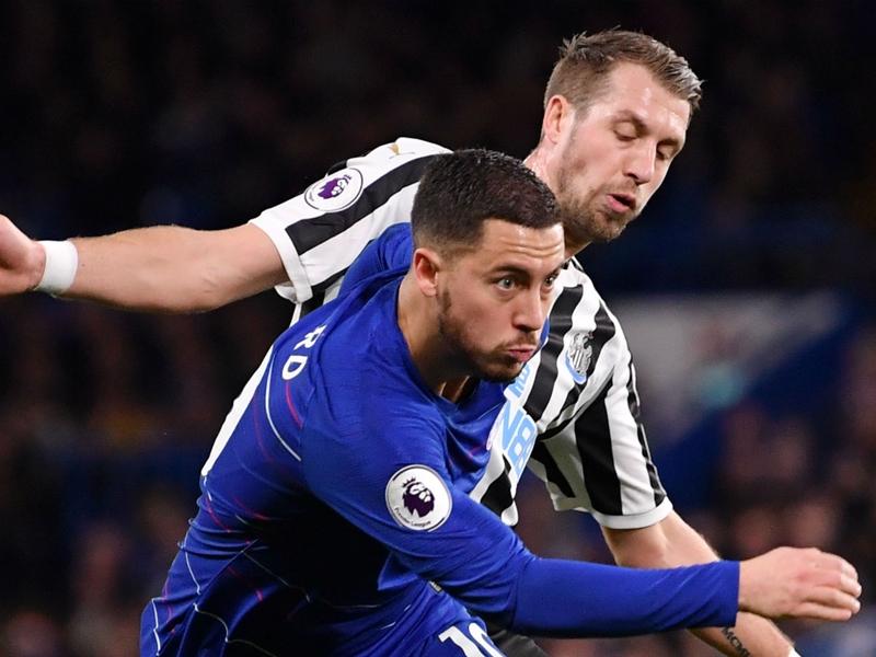 Hazard as a striker helps Chelsea defensively - Sarri