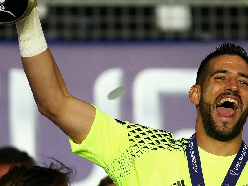Who is Kiko Casilla? The goalkeeper swapping Real Madrid for Bielsa's Leeds