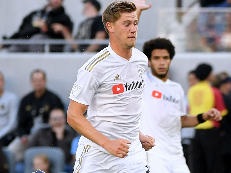 USMNT defender Zimmerman signs new contract with Los Angeles FC