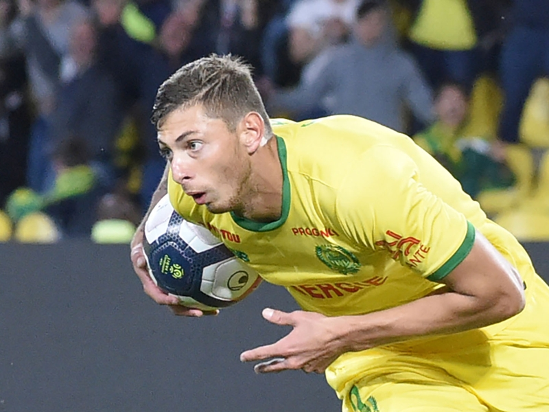 Emiliano Sala missing plane: Rescue operation suspended as hopes fade for Cardiff City striker