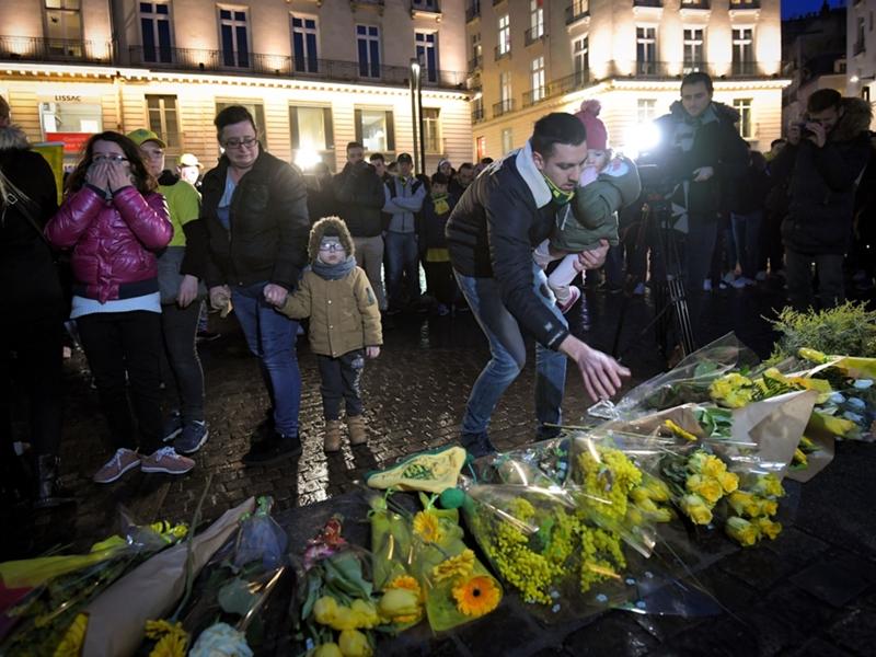 VIDÉO - Disparition d'Emiliano Sala : l'hommage des supporters nantais