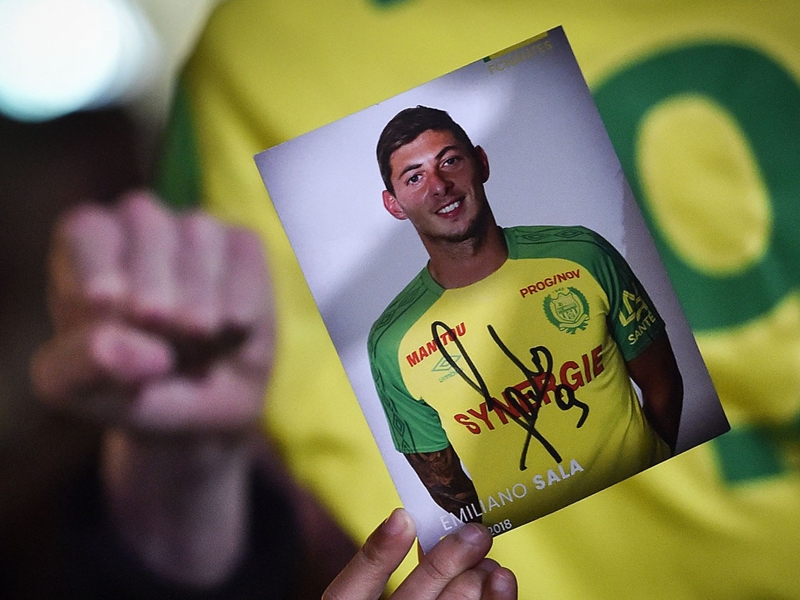 Emiliano Sala missing plane: Family want search for missing striker to resume