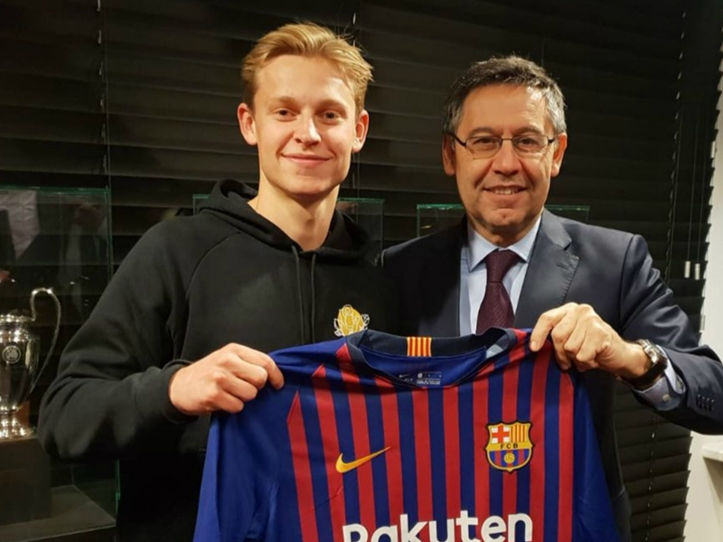 Busquets' successor or playmaking defender? How Barcelona could line up with Frenkie de Jong