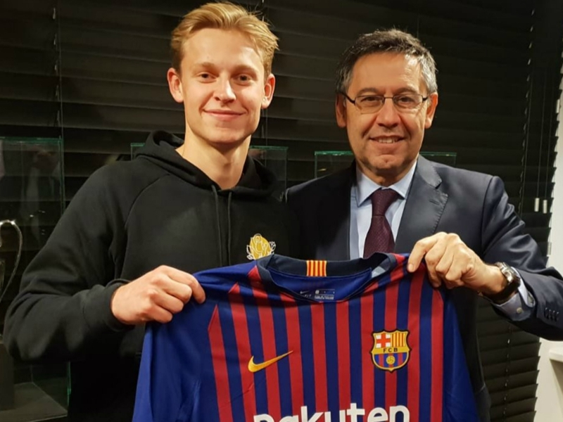 De Jong admits talks with PSG and City before signing for Barca