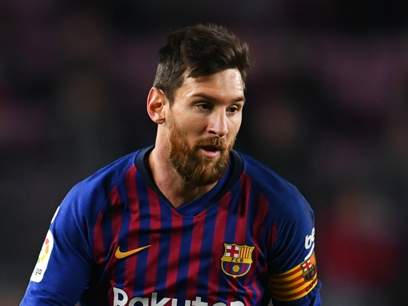 Messi joins campaign as Sala family hire private company to resume search