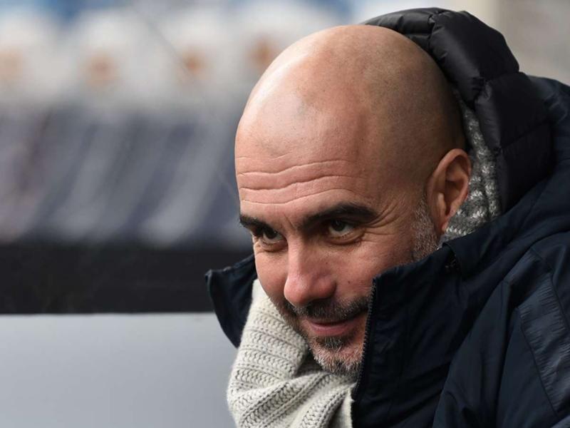 """Manchester City, Pep Guardiola : """"Je suis triste et désolé de devoir mettre Riyad Mahrez sur le banc"""""""