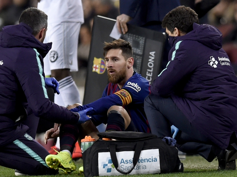 Barcelona to make late call on injured Messi for Copa Clasico