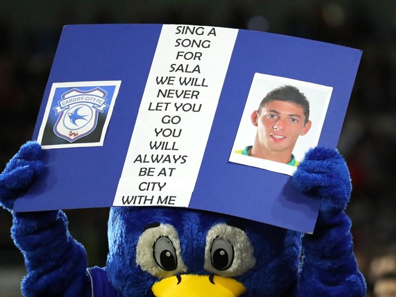 Disparition d'Emiliano Sala - Le dernier hommage de l'entraîneur de Cardiff