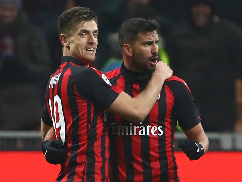 AC Milan 3 Cagliari 0: Paqueta and Piatek boost Rossoneri's top-four hopes