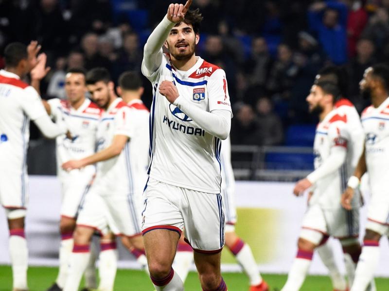 Lyon-Guingamp (2-1) : Fekir offre un précieux succès aux Gones dans la course à la C1