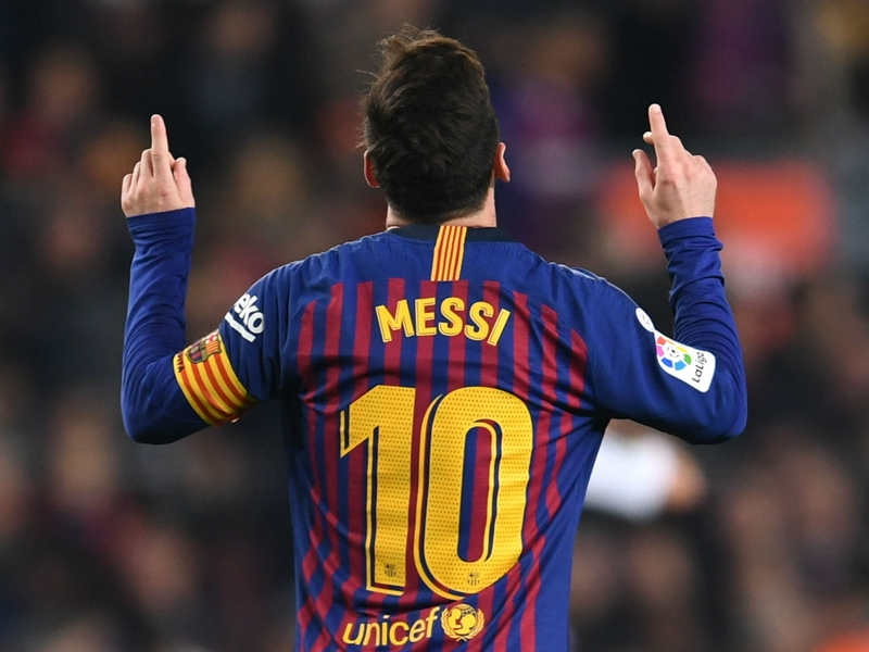 Perez: Messi head and shoulders above every footballer and any comparison is special