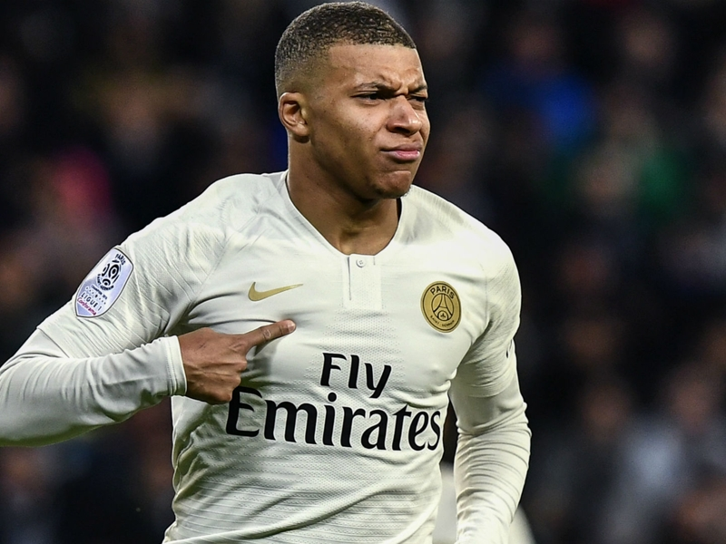 Zidane 'would love' to work with Mbappe as Real Madrid boss fuels transfer rumours