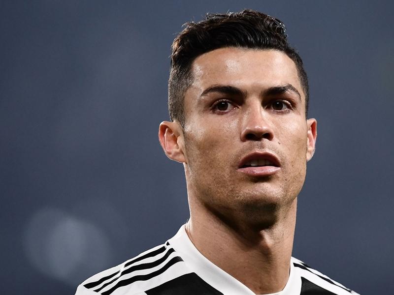 Après la jaquette, Cristiano Ronaldo chassé des menus de FIFA 19