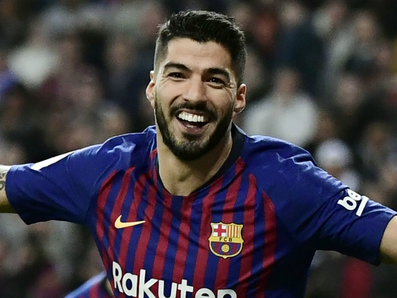 Suarez matches Forlan by reaching La Liga scoring mark