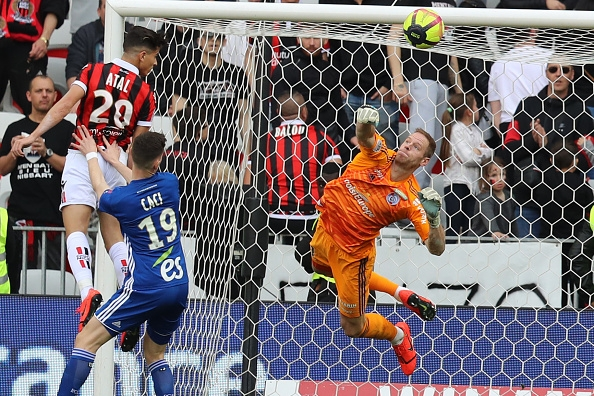 Youcef Atal nets winner to help Nice past Strasbourg