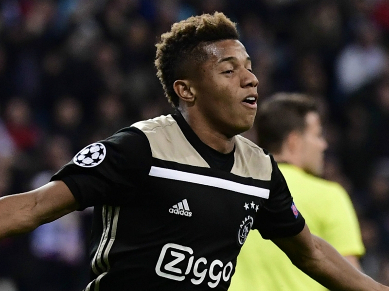 Brazil call up Ajax star David Neres as Vinicius Junior replacement