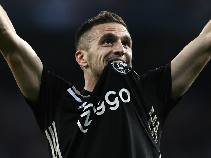 VIDEO: How Dusan Tadic was named UEFA Champions League Player of the Week, presented by Santander