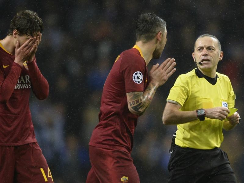 """Ligue des champions - L'AS Rome furieuse contre l'arbitrage face à Porto : """"Nous avons été volés"""""""