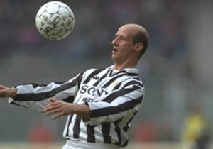 Salah satu pemain bagus yang sempat dimiliki Juventus, tapi sebelum dibebat cedera. Setelah bermasalah dengan cederanya, kualitas penampilan Lombardo tak bisa dikatakan memesona.