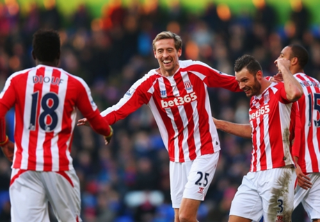 Stoke City prolonge Crouch et Whelan