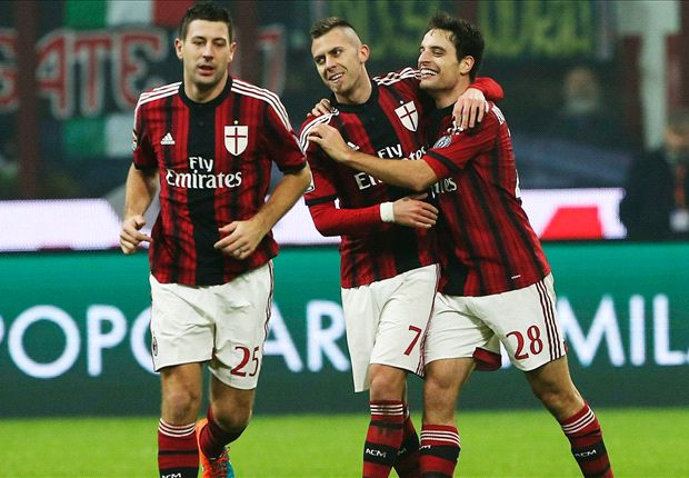 AC Milan 2-0 Napoli: Rossoneri back in hunt for European return