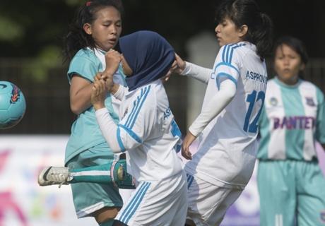 Pieter Huistra Siap Promosikan Sepakbola Putri