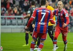 Ehre, wem Ehre gebührt: Auf Vorarbeit von Franck Ribery erzielte Arjen Robben am Dienstag sein 100. Tor für den FC Bayern. Neben zehn weiteren Akteuren hat es der Niederländer in die Elf des 16. Spieltages geschafft.