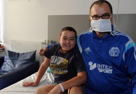 Bielsa visitó un hospital