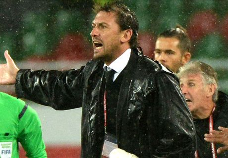 Popovic looks to young Wanderers
