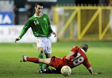 Neil Yadolahi signs for Drogheda United