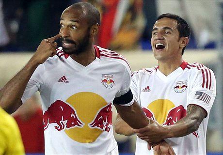 Cahill hails retiring Henry