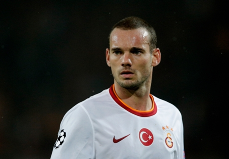 Moggi: Sneijder's not good enough