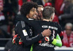 Dante, Schweinsteiger und Neuer feiern im Spiel gegen Mainz.