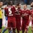 Hitzige Diskussionen gab es, als Schiedsricher Markus Schmidt (l.) Hamburgs Valon Behrami (r.) HSV-Mittelfeldspieler Valon Behrami verwarnte.