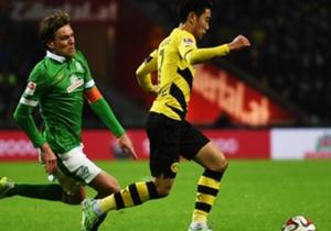 Clemens Fritz | Mittelfeld | WERDER BREMEN 2:1 Borussia Dortmund | Fritz (l.) rannte gegen den BVB jedem Ball nach und stach bei kompakt stehenden Bremern noch heraus