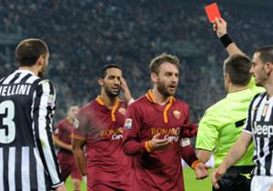 5 gennaio - Allo Stadium, la Juventus travolge 3-0 la Roma nello scontro diretto per lo Scudetto grazie alle reti di Vidal, Bonucci e Vucinic.