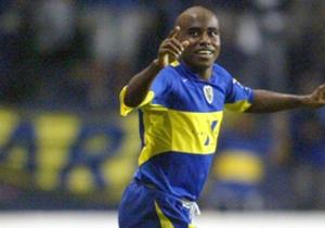 Baiano: Otro expermiento fallido. Un lateral brasilero, del montón, que llegó en 2005, jugo 16 partidos, hizo dos goles y se marchó sin que nadie le pidiese que se quede.