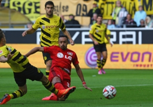 Die Saison begann gleich mit einem Paukenschlag: Karim Bellarabi erzielte am ersten Spieltag beim 2:0-Sieg von Bayer Leverkusen im Gastspiel bei Borussia Dortmund nach neun Sekunden das schnellste Tor der Bundesliga-Geschichte.