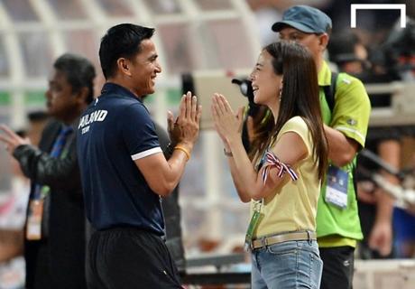 ปีทองลูกหนังไทย!ซิโก้ควงมาดามแป้งซิวรางวัลวันกีฬาแห่งชาติ
