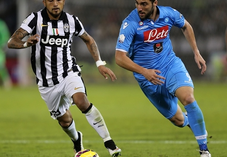 Napoli Juara Piala Super