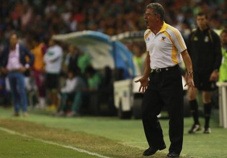 Tuca critica apoyo de FiFA a Alan Pulido