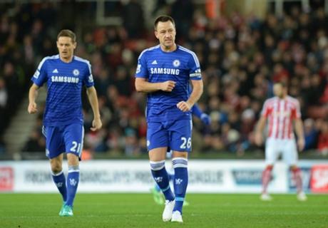 Chelsea weer solo aan kop