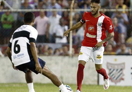 VÍDEO: Neymar faz gol de placa em festa