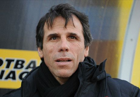 Gianfranco Zola Latih Cagliari