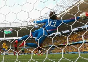 Durante el Mundial le detuvo un gran cabezazo a Neymar, atajada que fue nombrada la mejor del torneo.