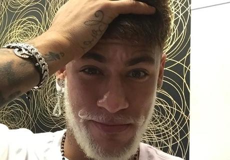 Barça, Neymar et sa barbe blanche