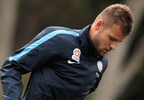 Wanderers sign Nick Kalmar