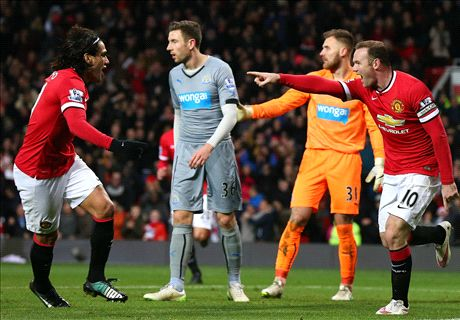 Rooney puts two past Newcastle