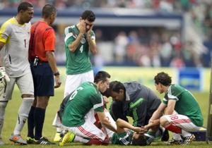 Luis Montes sufrió una fuerte lesión en el juego contra Ecuador, que lo dejó fuera de actividad por el resto del año