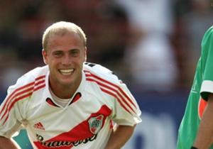 Luciano Figueroa: Una pena lo que le sucedió. Llegó en 2006 y tuvo un buen arranque, con tres goles en siete partidos. Pero se rompió los ligamentos y se marchó. Encima, después, salió campeón con Boca.